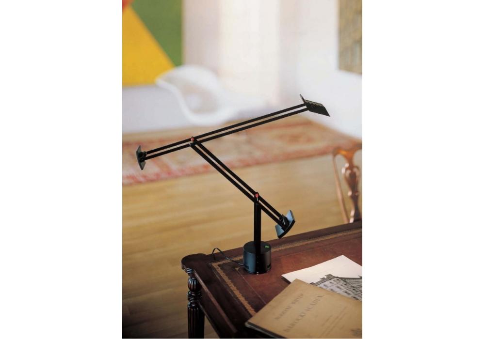 Tizio l mpara de mesa artemide milia shop for Artemide lamparas de mesa