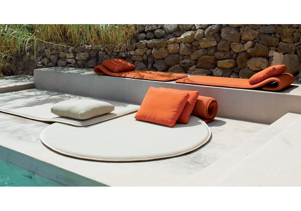 cushions paola lenti milia shop. Black Bedroom Furniture Sets. Home Design Ideas