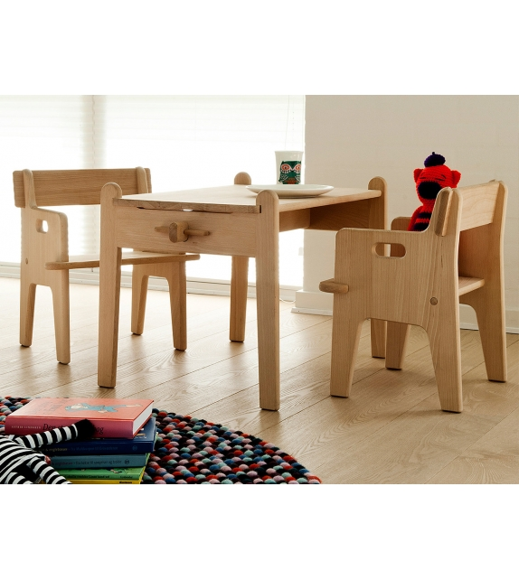 ch410 peter 39 s chair carl hansen s n stuhl milia shop. Black Bedroom Furniture Sets. Home Design Ideas