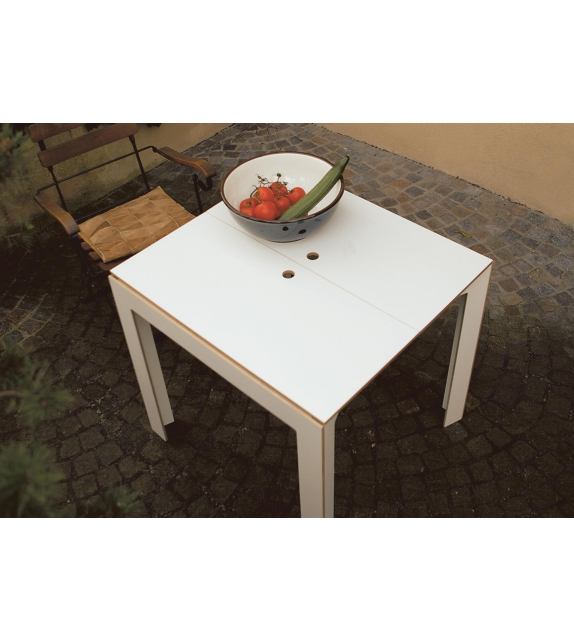 last minute moormann tisch milia shop. Black Bedroom Furniture Sets. Home Design Ideas