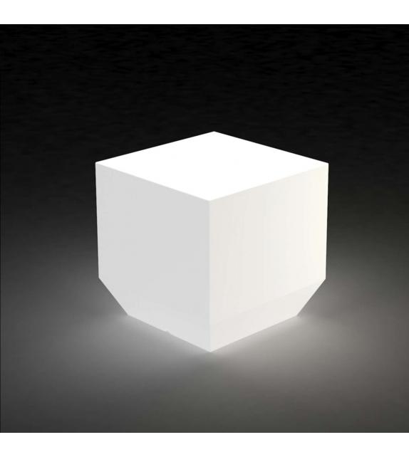 Vela chill lampe cube vondom milia shop for Luminaire exterieur cube