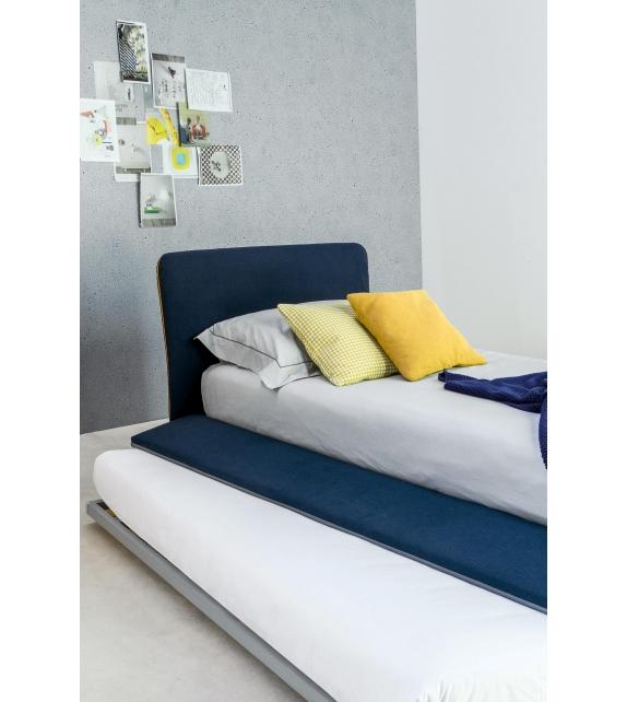true bonaldo bett milia shop. Black Bedroom Furniture Sets. Home Design Ideas