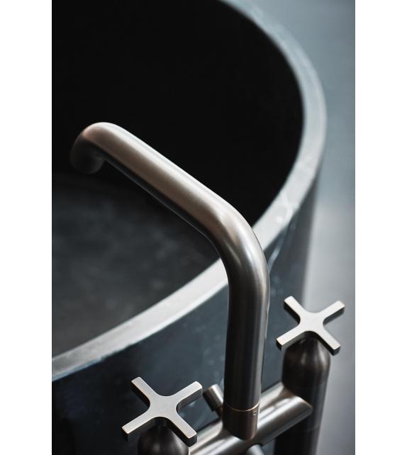 Memory Agape Floor Mounted Bathtub Tap