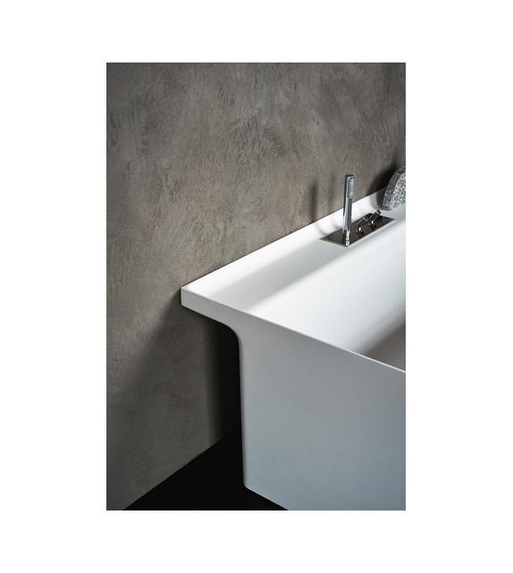 Square Agape Bathtub Rim Tap