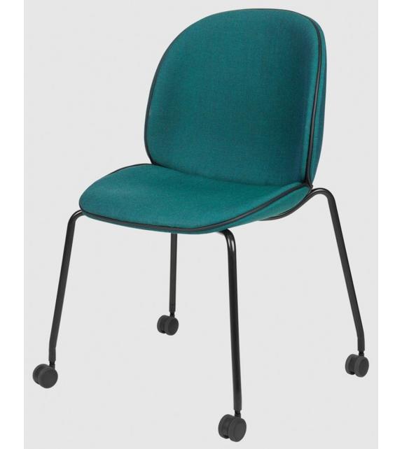 beetle meeting gubi gepolsterter stuhl mit rollen milia shop. Black Bedroom Furniture Sets. Home Design Ideas