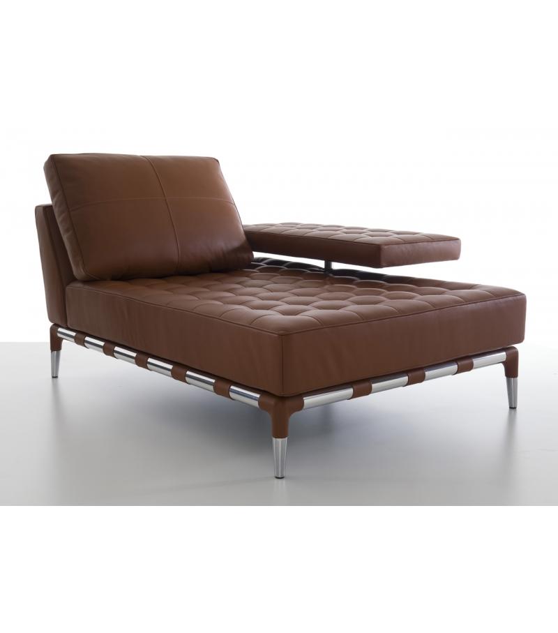 241 Privé Chaise Lounge