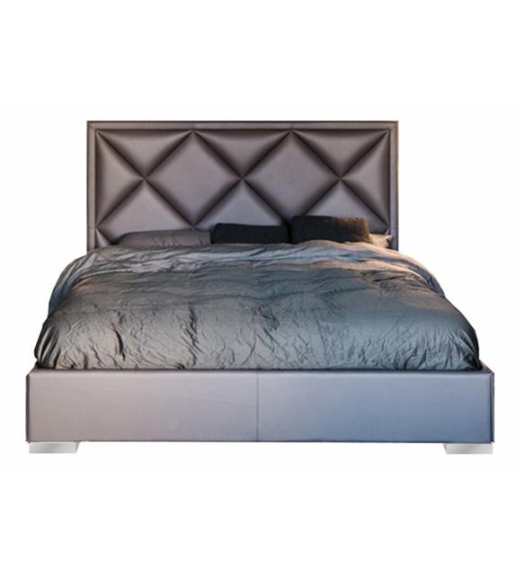 Patrick Cattelan Italia Bed