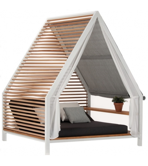 Cottage Kettal Daybed