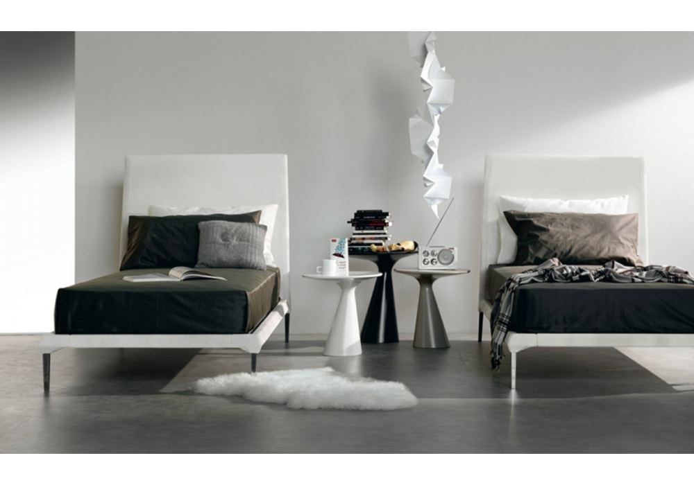 peyote cattelan italia tavolino d 39 appoggio milia shop. Black Bedroom Furniture Sets. Home Design Ideas