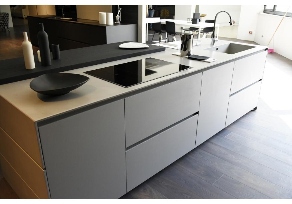 in ausstellung blade modulnova k che milia shop. Black Bedroom Furniture Sets. Home Design Ideas
