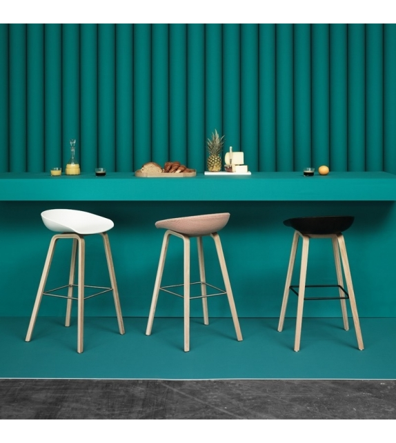 Hay: About a Stool AAS 32 Tabouret