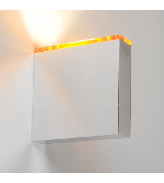 Match Quasar Wall Lamp