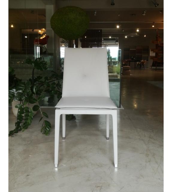 Fitzgerald Poltrona Frau.Ex Display Poltrona Frau Fitzgerald Chair Milia Shop