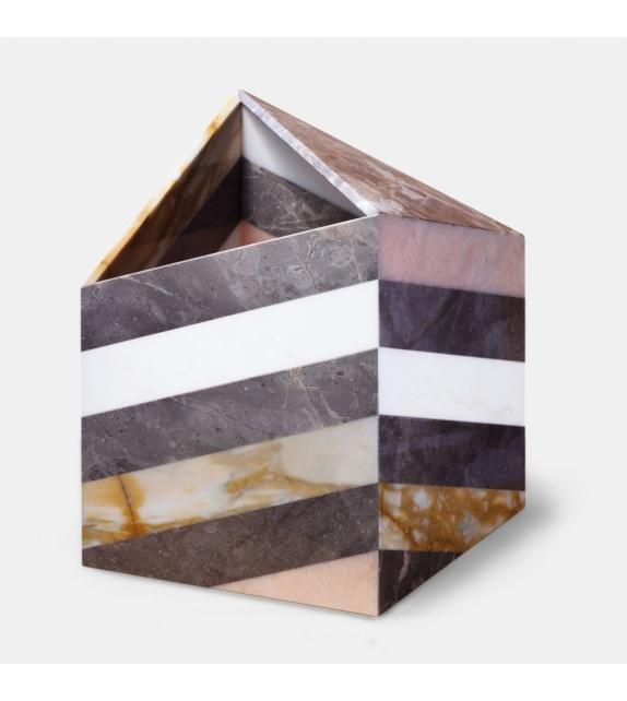 Budri Earthquake Vase
