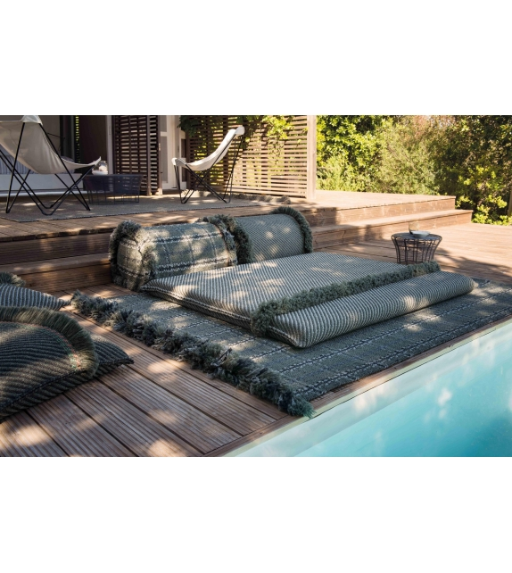 Garden Layers Gan Coussin Cylindrique