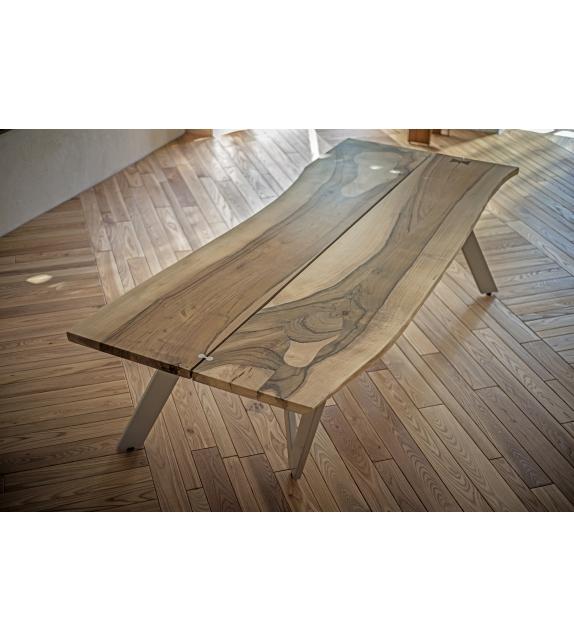 W-Natural Ornythos Table