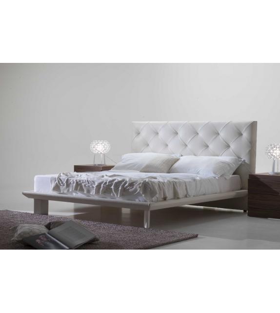 Prestige Nicoline Bed