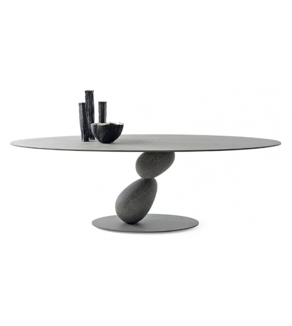 Matera Mogg Table