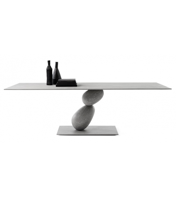 Matera Table Mogg