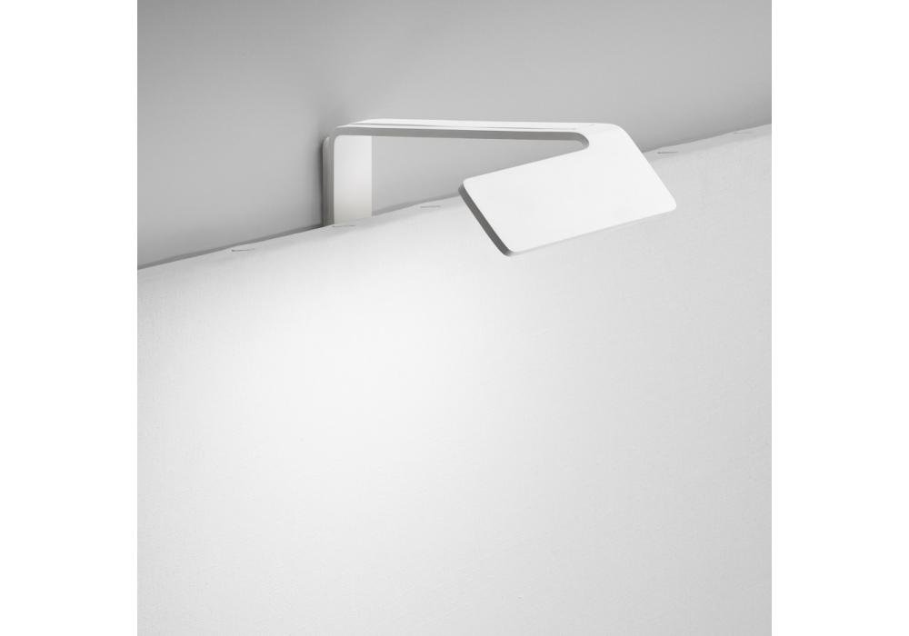 vibia alpha high clairage pour tableaux milia shop. Black Bedroom Furniture Sets. Home Design Ideas