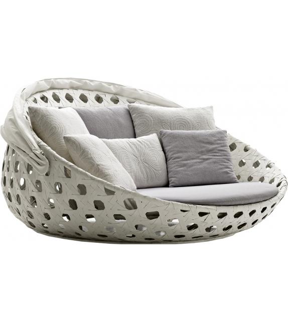 Canasta B&B Italia Outdoor Circular Sofa