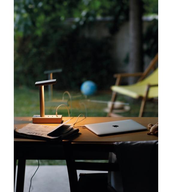 Pronta consegna - W152 Busby Wastberg Lampada da Tavolo