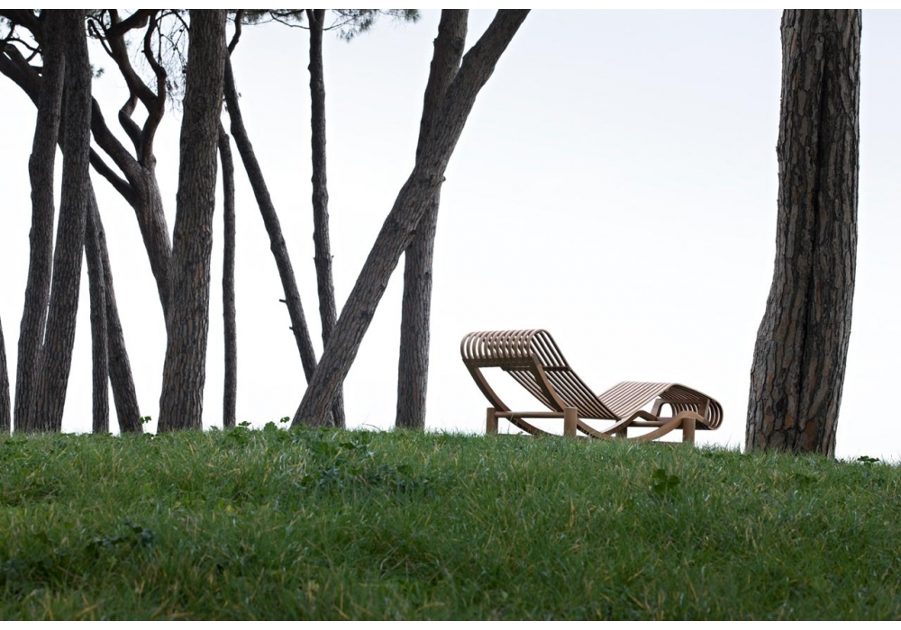 Chaise lounge cassina 522 tokyo outdoor milia shop for Poltroncine outdoor
