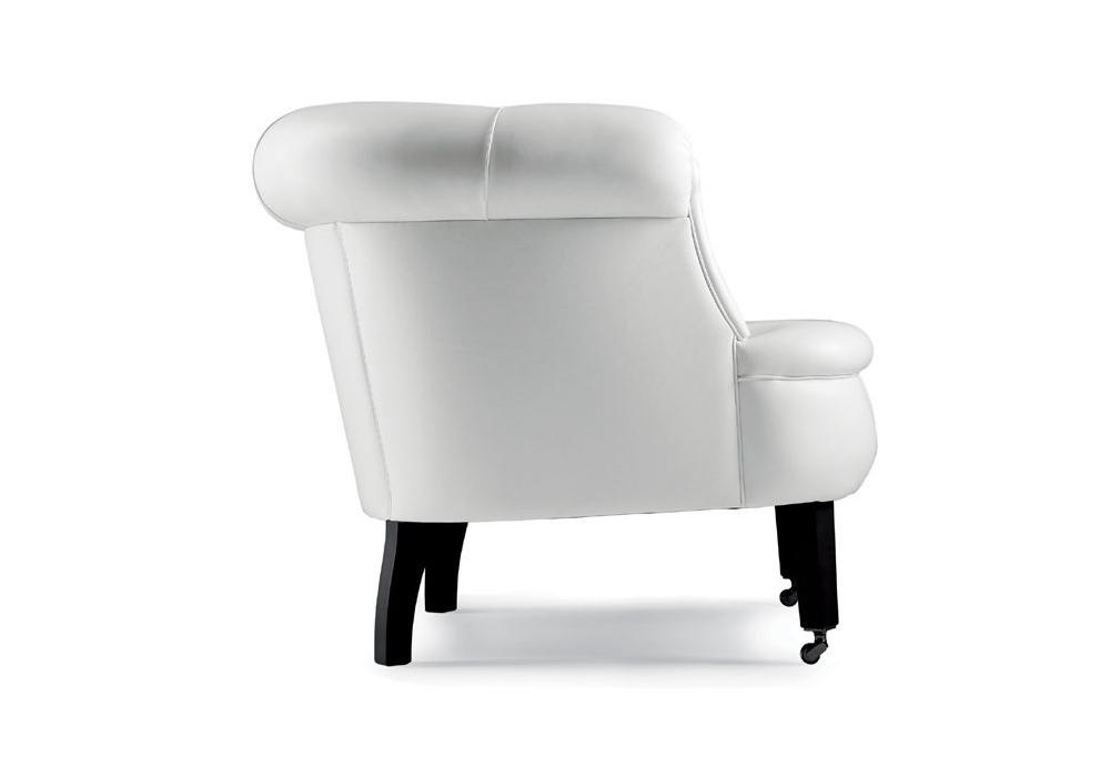 Club armchair poltrona frau milia shop for Chaise longue poltrona