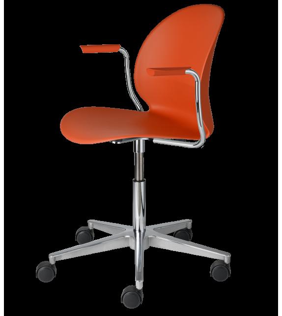 N02™ Recycle Fritz Hansen Swivel Small Armchair