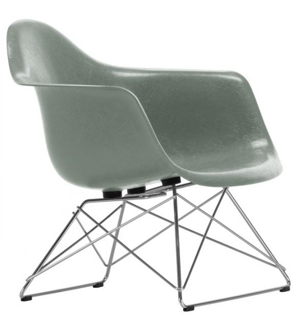Eames Fiberglass Armchair DAR Vitra