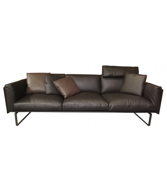 Versandfertig - 202 8 Cassina Sofa