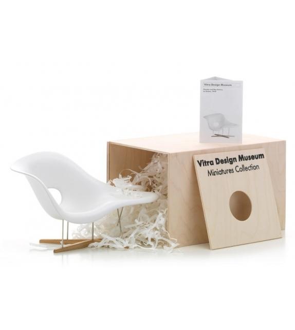 Prêt pour l'expédition - Miniature Vitra La Chaise, Eames