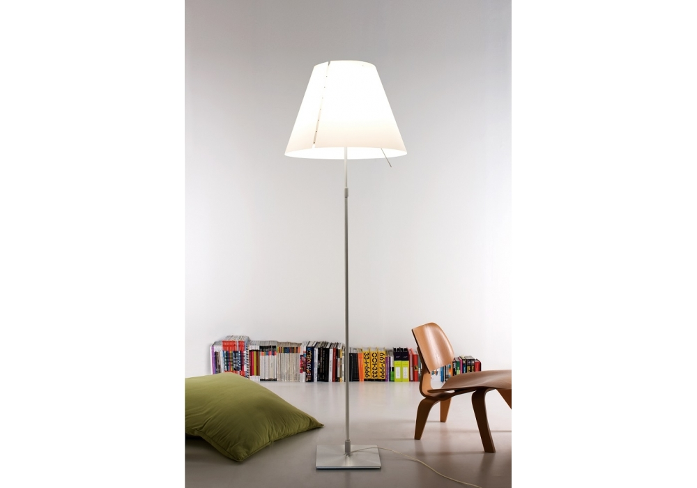grande costanza floor lamp luceplan milia shop. Black Bedroom Furniture Sets. Home Design Ideas