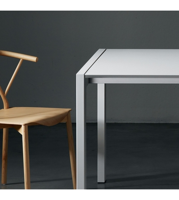First Miniforms Fixed Table