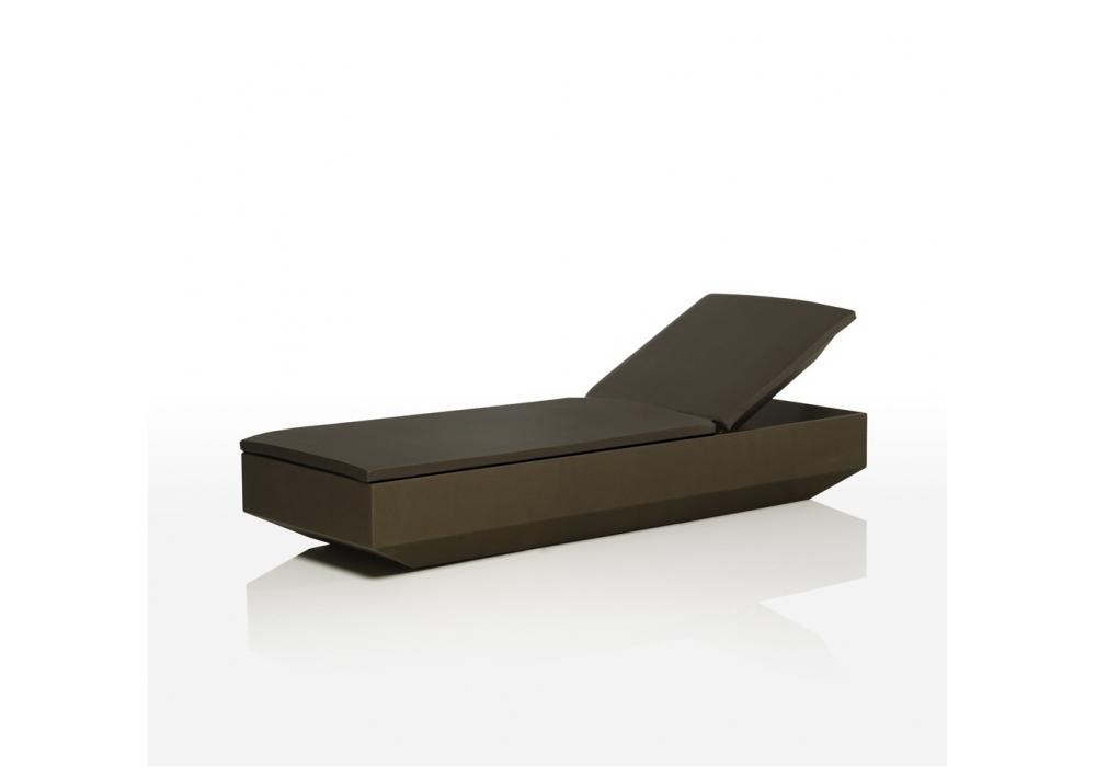 Vela chaise longue vondom milia shop for Chaise longue lockheed lounge
