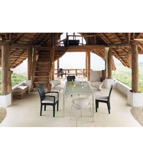 Seashell silla de comedor apilable dedon milia shop for Sillas comedor ligeras