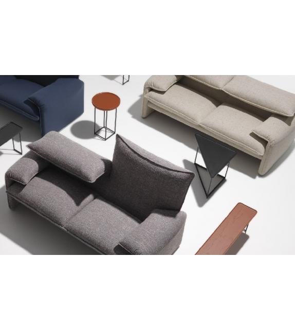 675 maralunga 40 zweiersofa cassina milia shop. Black Bedroom Furniture Sets. Home Design Ideas