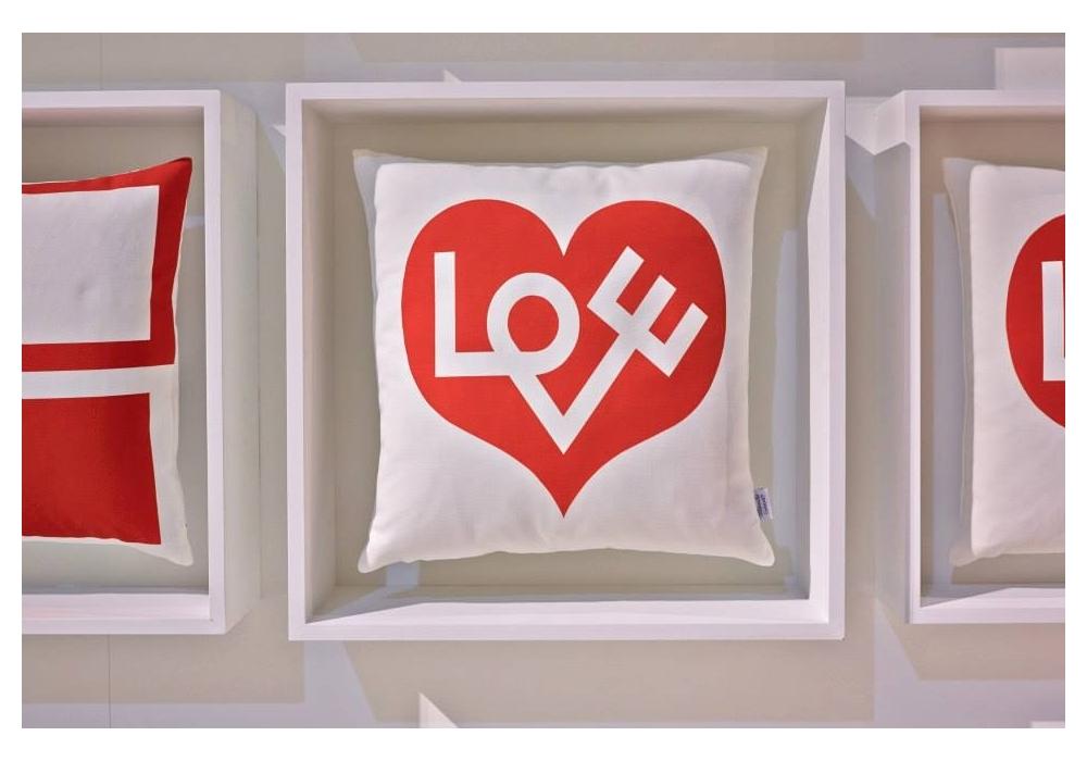 love kissen vitra milia shop. Black Bedroom Furniture Sets. Home Design Ideas