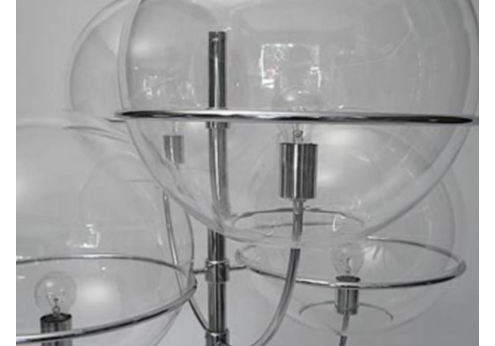 Lyndon lampadaire d 39 ext rieure oluce milia shop for Luminaire exterieur zinc