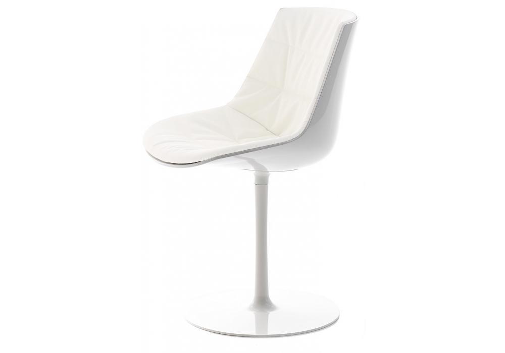 Flow chair chaise rembourr e avec pied central mdf italia - Chaise avec pied central ...
