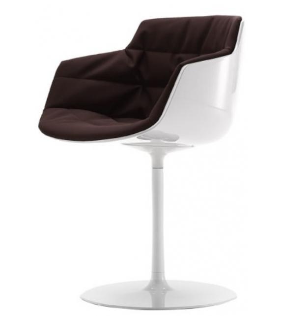 Flow Slim Chaise Rembourrée Avec Pied Central MDF Italia