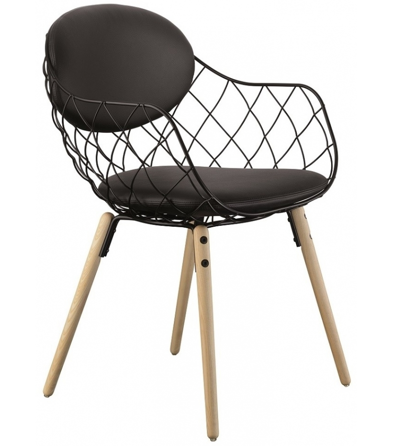Piña Armchair With Leather Upholstery Magis