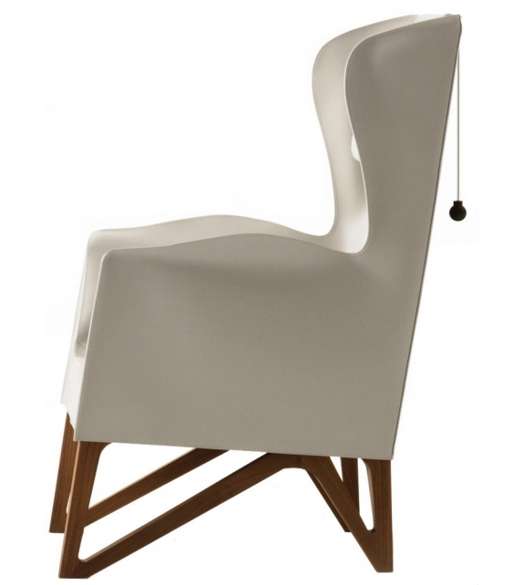 Mobius Cuoio Giorgetti Wing Chair