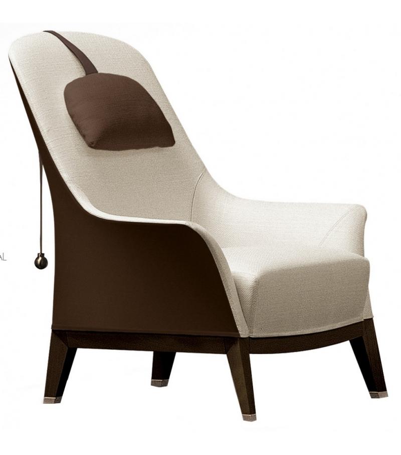 Normal Bicolor Wing Chair Giorgetti
