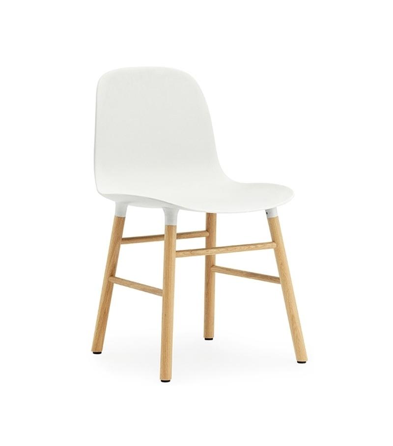Form stuhl mit holzbeine normann copenhagen milia shop for Design stuhl form