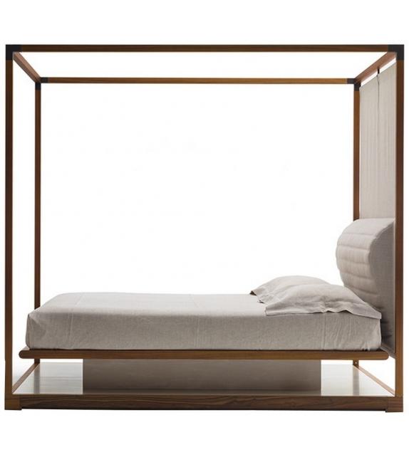 ira bett mit baldachin giorgetti milia shop. Black Bedroom Furniture Sets. Home Design Ideas