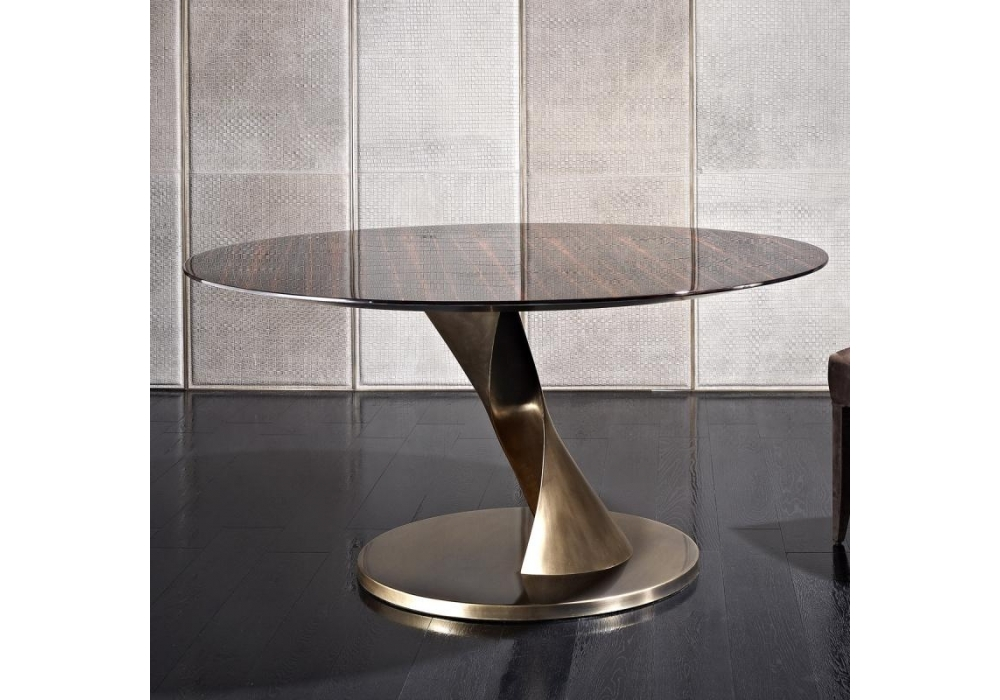 Zoe Round Table Rugiano