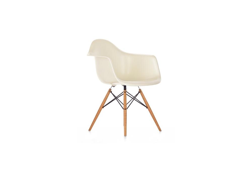 eames plastic armchair daw sill n milia shop. Black Bedroom Furniture Sets. Home Design Ideas