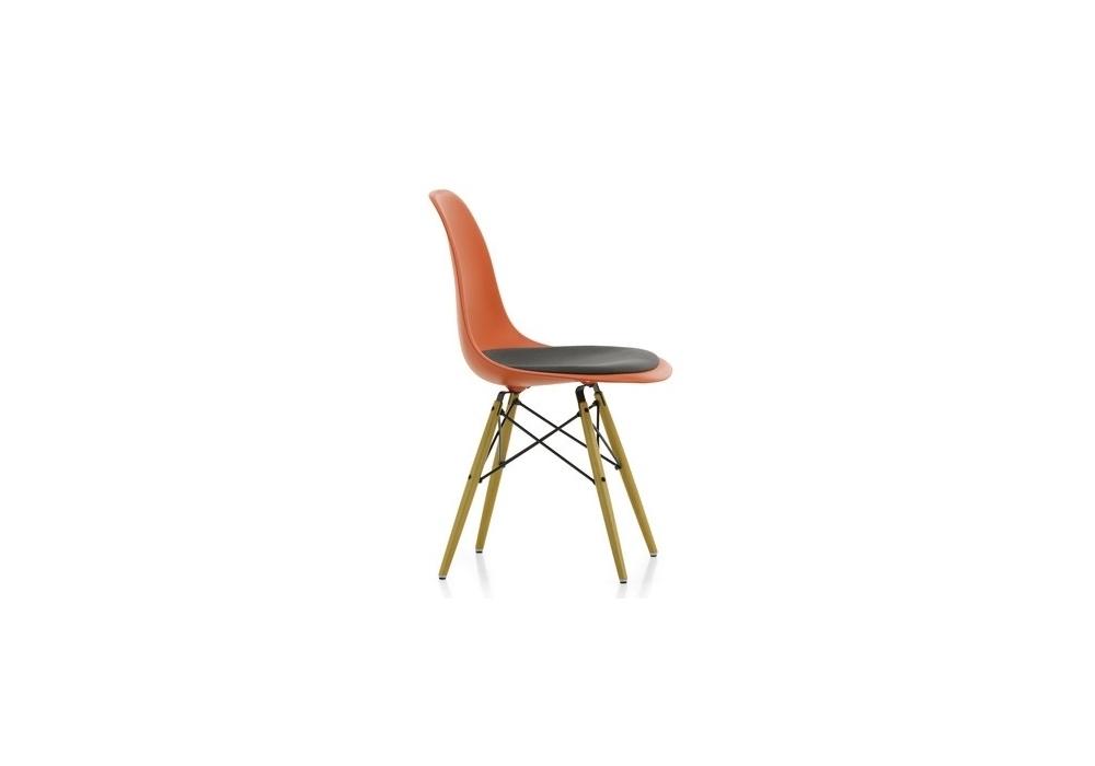 eames plastic side chair dsr stuhl mit kissen vitra milia shop. Black Bedroom Furniture Sets. Home Design Ideas