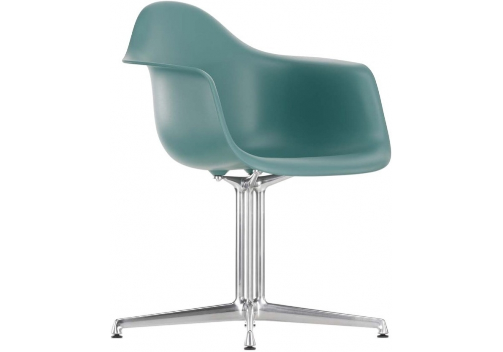 Eames plastic armchair dal vitra milia shop for Vitra chaise eames